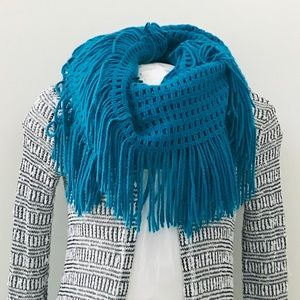 Guess scarf wrap